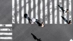 Новости  - С мая запустят процесс установки новых дорожных знаков на территории России