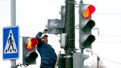 """Новости  - В рамках проекта """"Безопасные и качественные дороги"""" в Казани установили сотни знаков и светофоров"""