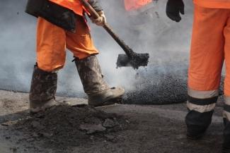 В Казани ямы залатали на 54 тыс. кв.м дорог – 74% от плана