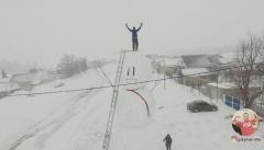 Татарстанец слепил огромного снеговика: его высота ровно в 10 метров