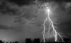 Новости  - В Татарстане гроза оставила без электроснабжения 49 населенных пунктов в 5 районах