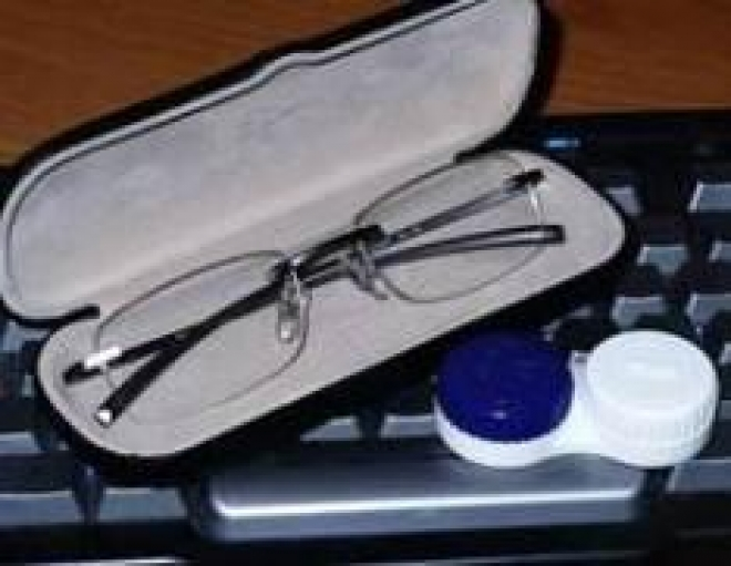 Использование очков и контактных линз вместе