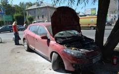 """Новости  - Женщина на """"Ладе"""" сбила троих человек на тротуаре"""
