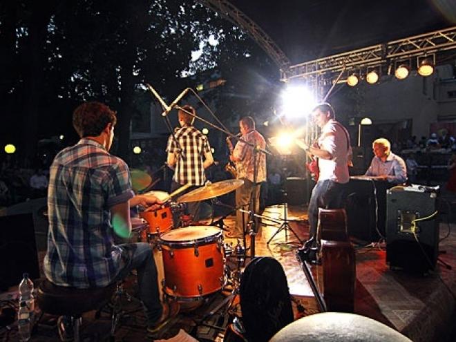 Август станет месяцем джаза в Казани