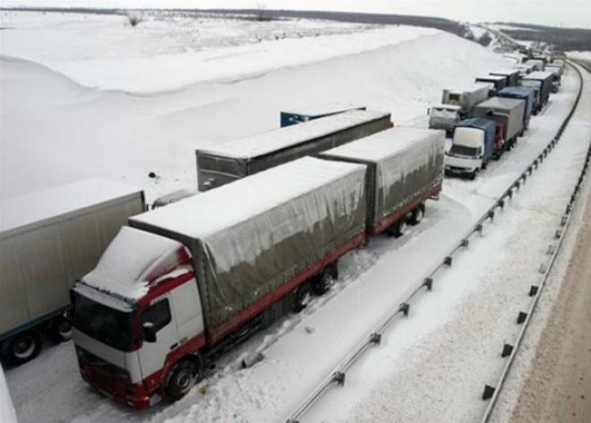 На трассах Татарстана восстановлено автобусное и грузовое движение