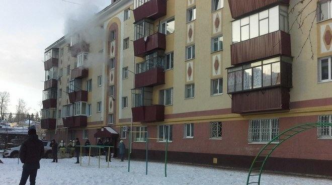 Новости  - В Альметьевске было спасено 26 человек на пожаре в жилом доме