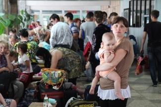 Самолёт МЧС доставит в Казань 106 беженцев из Украины