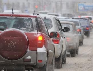 Гололед и ледяной дождь сковали Казань 7-балльными пробками