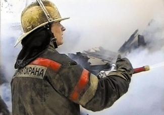 В Казани при пожаре в частном доме погибли пожилые супруги, их внук спася через окно