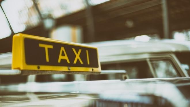 В столице Татарстана проверят службы такси
