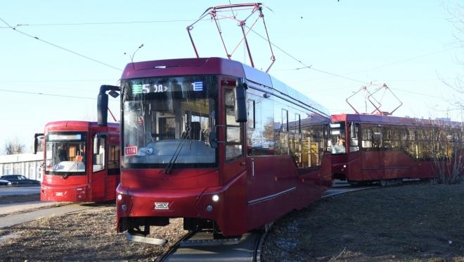 Президенту республики показали новые трамваи и электробус