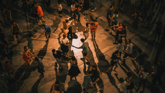 Новости  - «Танцплощадка»: в парке «Крылья Советов» запускают новый бесплатный танцевальный проект