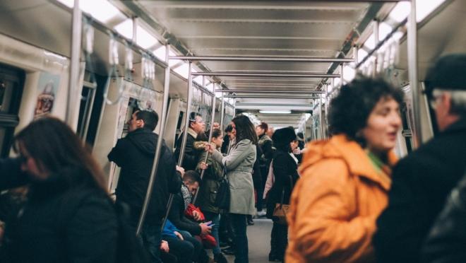 Новости  - На станции метро «Горки» сделали косметический ремонт