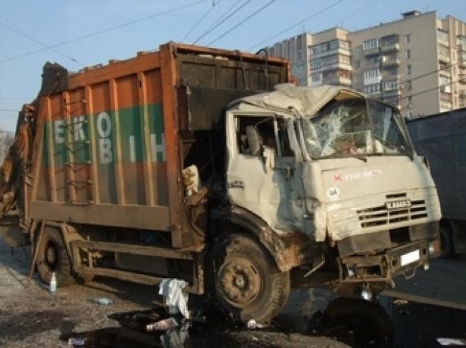 КАМАЗ запускает программу утилизации: скидка 350 тыс. рублей за старую машину
