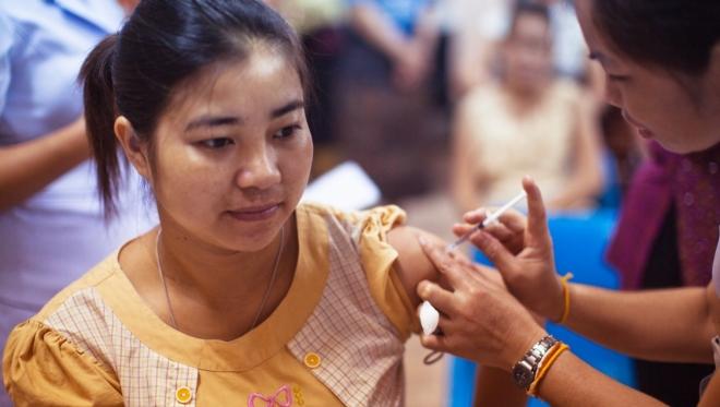 В Европе началась вакцинация от коронавируса