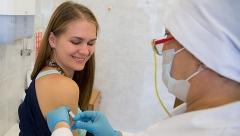 Новости Медицина - Казанских студентов прививают от гриппа