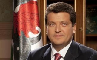 Мэр Казани стал лидером медиарейтинга глав столиц субъектов ПФО за 2013 год
