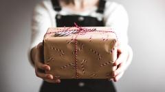 Новости Не проходите мимо! - В Казани стартовала благотворительная акция «Подари тепло на Рождество»