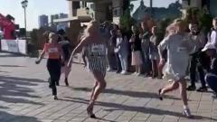 Новости  - В Казани, на набережной прошел забег на шпильках