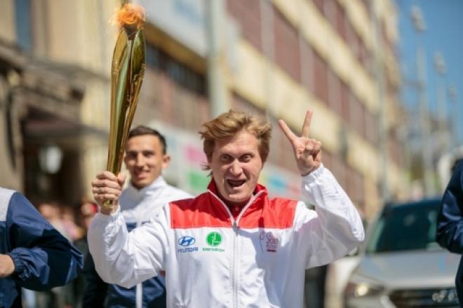 Новости  - Факел Универсиады доверили «Уральскому пельменю» Андрею Рожкову