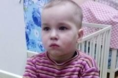 Новости  - В Казани ищут родителей найденного в подъезде мальчика
