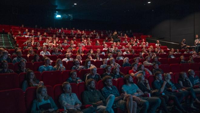 Теперь кассиры кинотеатров вправе просить паспорт у посетителей