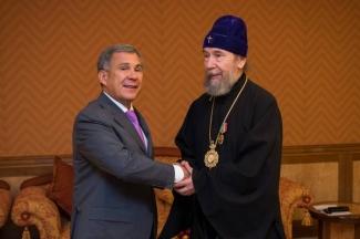 Митрополит Анастасий награжден орденом за заслуги перед Татарстаном