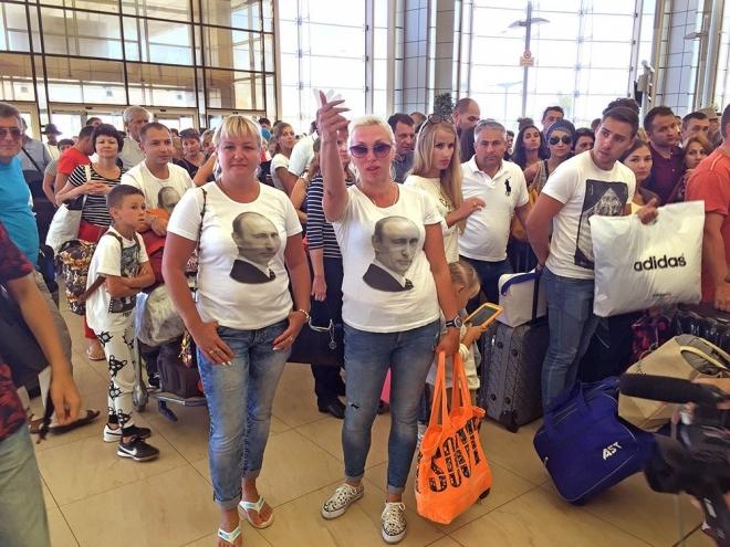 В Казань из Египта вернулись еще 427 туристов