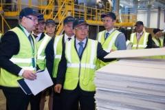 Новости  - Рустам Минниханов дал старт новому заводу по производству потолочных плит в Татарстане