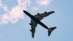 В Казань прилетел самолет с 135 российскими туристами из Дубая