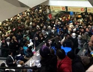 Татарстанцы устроили жуткую давку в торговом центре из-за розыгрыша призов
