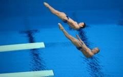 Новости  - Россияне Кузнецов и Захаров стали победителями в синхронных прыжках в воду