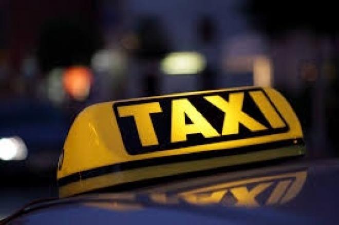 В Казани 18-летний подросток жестоко избил таксиста за отказ открыть дверь