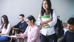 Школьники могут пройти оплачиваемые стажировки